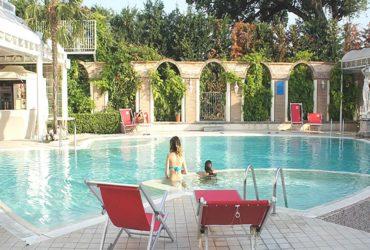 piscina-con-idromassaggio