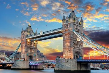tower-bridge-1237288_1280-1